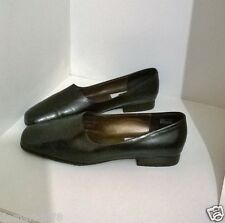 2003 American Flat Heel Black Loafer Style Narrow Fit Shoe,Size 8.5/UK 6/Euro 39