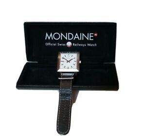 Mondaine - Specials Quadratisch Großdatum Swiss Made Armbanduhr