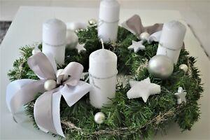 excl. Adventskranz weiß silber 45 cm künstlich Weihnachten Adventsgesteck Deko