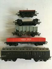 Hornby - Triang Set Of Five Wagons & Coaches ETC '00' Gauge T48 Post