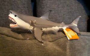 MEGALODON SHARK detailed sea life  marine model fish  toy approx. 18cm long NEW