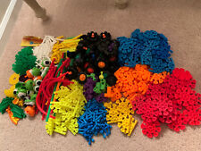 Kid Knex Lot of 490 Pieces Eyes Wheels Rods Connectors and More K'nex