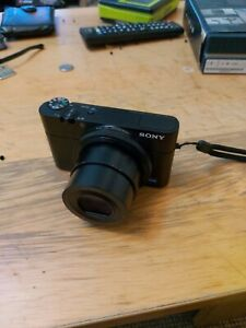 Sony RX100  (DSC-RX100) Camera and memorie card 64 GB,no chargher