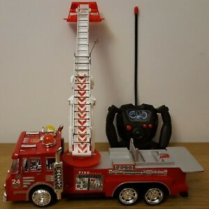 LARGE FIRE RESCUE FIRE ENGINE TRUCK Extendable ladder Remote Control Car  30CM