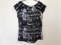 IMPRINT Ladies Size 8 Top Blouse Black & White Pattern