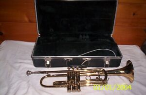 BACH TR300 TRUMPET  7C MOUTHPIECE, Hard Case VERY NICE!