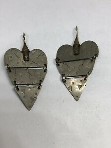 Thomas Mann Signed Techno Romantic Articulated Heart Hook Earrings