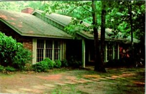 C51-7813, HOME OF PRESIDENT JIMMY CARTER, PLAINS, GA. POST CARD.