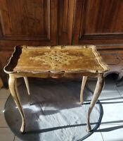 Table d'appoint florentine en bois doré vintage Italie 1950