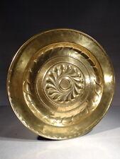 ANCIEN GRAND PLAT A OFFRANDE HOLLANDAIS EN CUIVRE EPOQUE XVII ème DINANDERIE