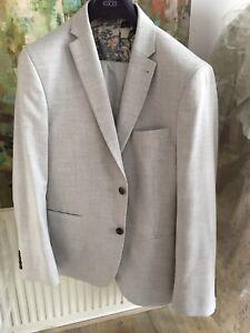 Mens Light Grey Suit