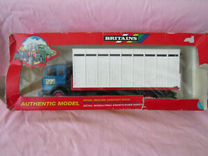 1995 BRITAINS AUTHENTIC MODEL 1:32 9580 FORD ANIMAL TRANSPORTER