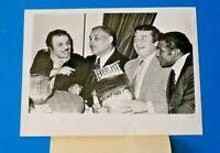JOE LOUIS w SUGAR RAY ROBINSON PRESS PHOTO 7x9 ~ 1948 TYPE 1 ~ BOXING