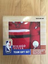 Chicago Bulls Team Gift Set Knit Hat & Uncuffed Hat Touch Gloves Boy Girl Youth
