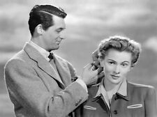 Joan Fontaine and Cary Grant UNSIGNED photo - C197 - Suspicion