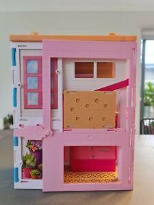 2016 Fold-up Barbie house