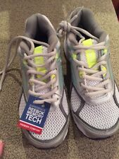 Reebok Quickchase memory tech women's running shoe sz 5 WIde White Silver Mint