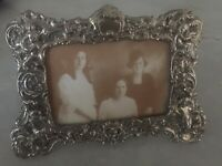 Vtg  English Victorian Rococo Cherub Themed   4 3/4 X 7 Photo Frame