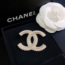 CHANEL Vintage CC Logos Brooch Pin Pearl Gold-Tone Corsage