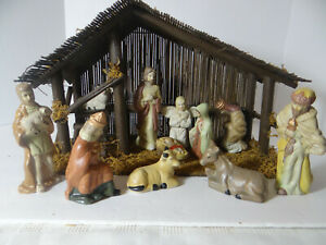 Porcelain Hand Painted Nativity Set 11 Pieces with Wood Stable 1996 & Box