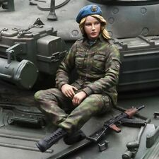 1/16 Figure of Russian Paratrooper Girl (KIT) for Heng Long T90, T72 tank