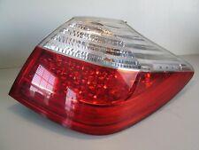 2009-2011 HYUNDAI GENESIS PASSENGER RH OUTER SIDE TAIL LIGHT LAMP TAILLIGHT LENS