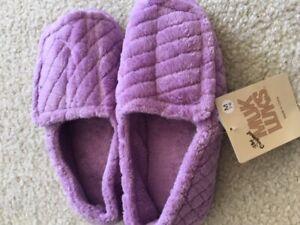 Women's NWT Mukluks Chenille Open-Toe Lavender Slippers Size M