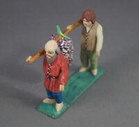 Grulicher Krippenfigur, 2 Gabenbringer mit Trauben,  7 cm (# 12094)