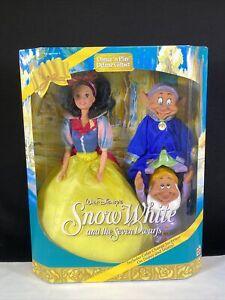 Walt Disney's Snow White & The Seven Dwarfs Dance 'n Play Doll Set Mattel 1993