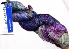 Lanas azules de madeja de lana