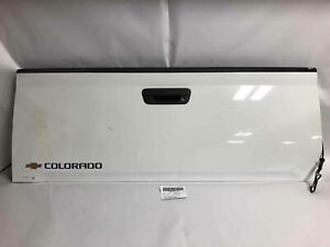 2005 COLORADO TAIL GATE WHITE PAINT=50/WA8624 SPRAY IN BED LINER