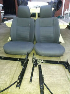 Land Rover 90/110, Defender 90/110 front seats 2 or 3
