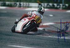 Giacomo Agostini main signé YAMAHA 12x8 Photo MotoGP.