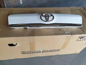 Toyota Rav4 2010 - 2012 GARNISH SUB-ASSY, BACK DOOR, OUTSIDE 76801-42120-A1