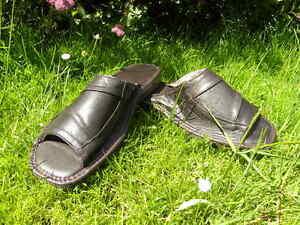 Herrnschuhe Latschen Hausschuhe  Pantoffeln feste Sohle  vorn offen B