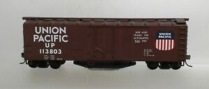 UNION PACIFIC TRACK CLEANER BOX CAR-HO SCALE