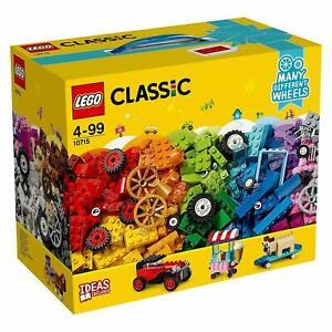 LEGO 10715 Classic Bricks On A Roll 442 Piece Brick Box Set With Ideas Included