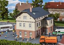 130457 Faller HO Kit of a Town hall with school - NEW