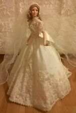 1997 Cindy McClure porcelain bride doll Ashton Drake Galleries Melody