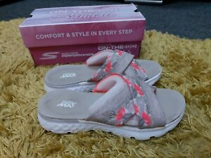Discoloured Womens Skechers On The Go Memory Foam Sandals Size 3 UK feather 