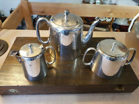 Vintage Good Three Piece Lonsdale Plate Tea Service