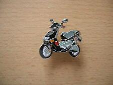 Pin Anstecker Aprilia SR 50 SR50 Racing Roller Scooter 0753