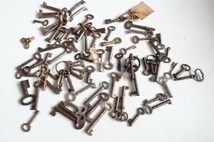 Antique / Vintage keys collection of 80
