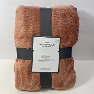 """THRESHOLD Microplush King Size Throw Bed Blanket Soft Colonial Rose - 108""""x 92"""""""
