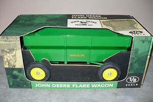 1/8 Scale JOHN DEERE Toy Flare Box Wagon SCALE MODELS NIB Tractor Implement