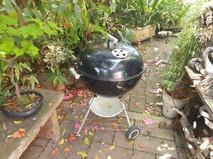WEBER 57 CM KETTLE BBQ