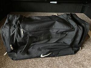 Nike Sport Bag Luggage Black Used Large No Shoulder Strap!