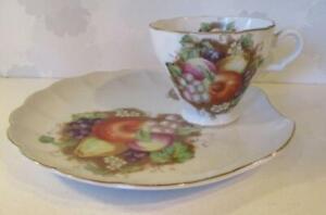 Vintage Bone China SAJI Japan Tea Cup & Saucer Tennis Set Fruit Design 11100 Exc