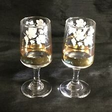 ✨ A FAB PAIR OF BOHEMIAN ETCHED SHERRY GLASSES WITH GOLD BANDING  (LOT 2) ✨