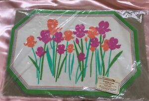 Vintage Set 4 Flower Flair Laminated Placemats By Current  Reversible 1985